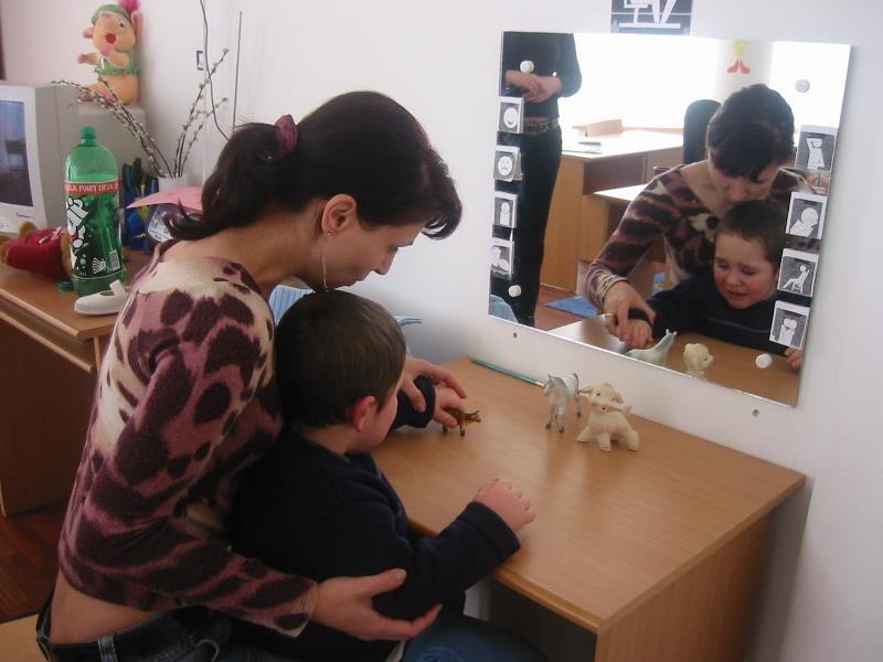 """Centrum """"de Dolfijn"""" in Bacau voor kinderen met autisme"""
