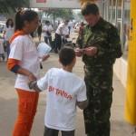 """De kinderen van dagverblijf """"Betania"""" presenteren zich in het centrum van Bacau"""