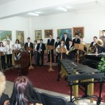 """Lyceum """"George Apostu"""" donatie van muziekinstrumenten"""