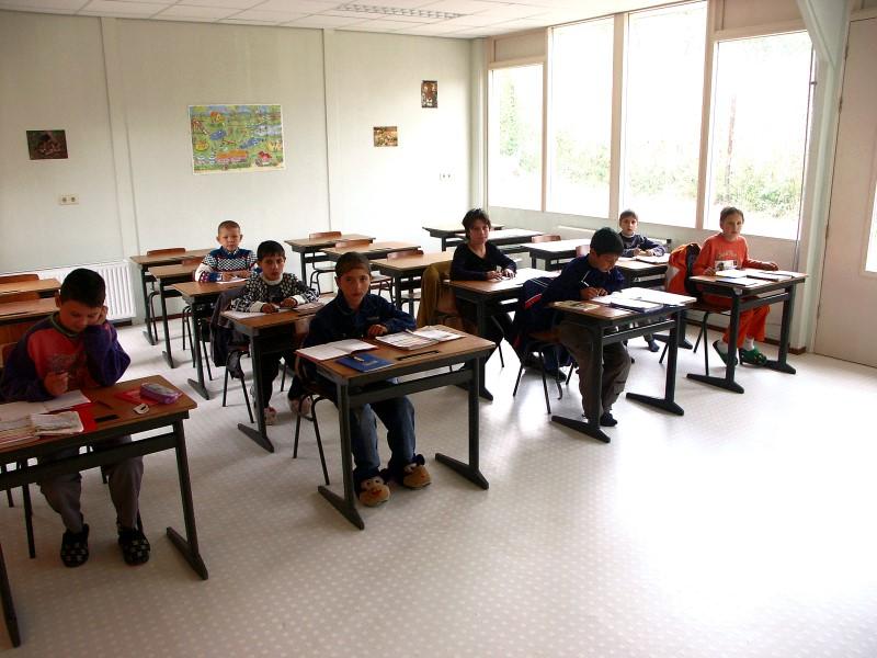 Renovări şi reparaţii de şcoli si dotare a atelierelor de instruire practica